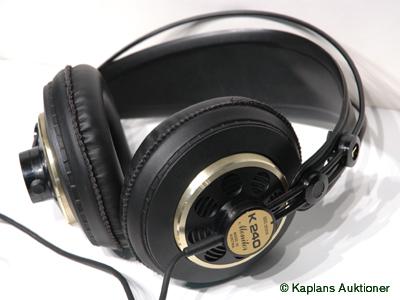Slutpris för 1 Par hörlurar AKG K240 297d97147e924