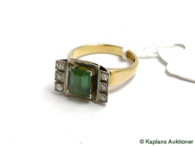 1 Ring med grön sten