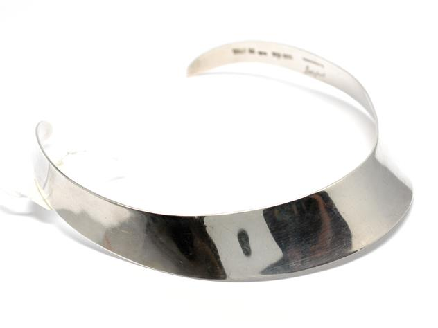 stelt halsband silver